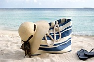 10 Loại Túi Xách Vừa Thời Trang Lại Vừa An Toàn Cho Kỳ Nghĩ Bên Bãi Biển