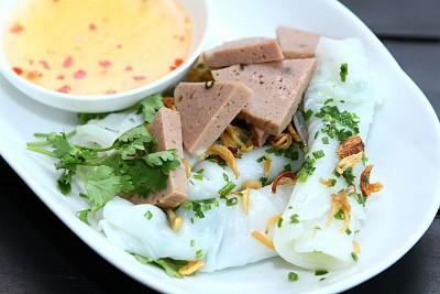 Bánh Ướt Chả Bò Phú Yên