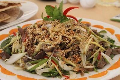 Gỏi Cá Ngừ Bao Tử - Hương Vị Miền Biển Phú Yên