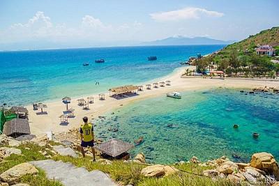 Khám Phá Bình Định Và Những Con Đường Xuyên Biển Tuyệt Nhất Việt Nam