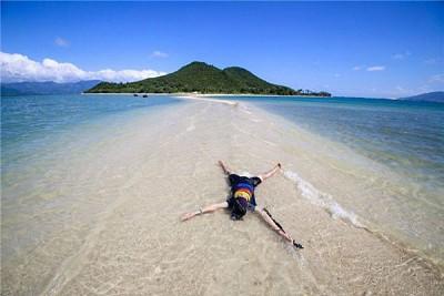 Khám phá con đường đi bộ xuên biển Phú yên