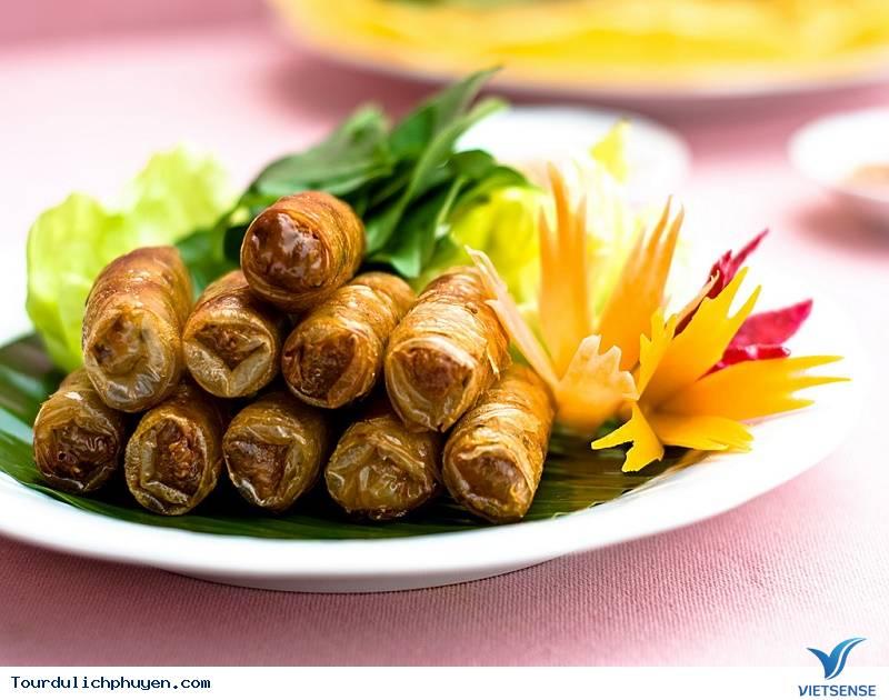5 Món Ăn Nổi Bật Nhất Trong Ẩm Thực Xứ Hoa Vàng Cỏ Xanh