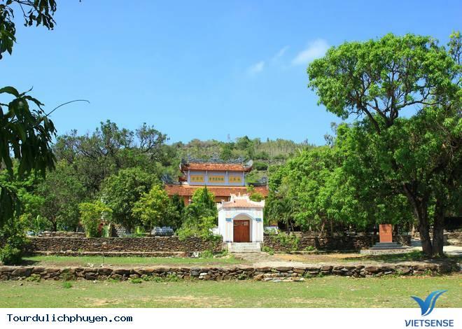 Du lịch Chùa Đá Trắng Phú Yên